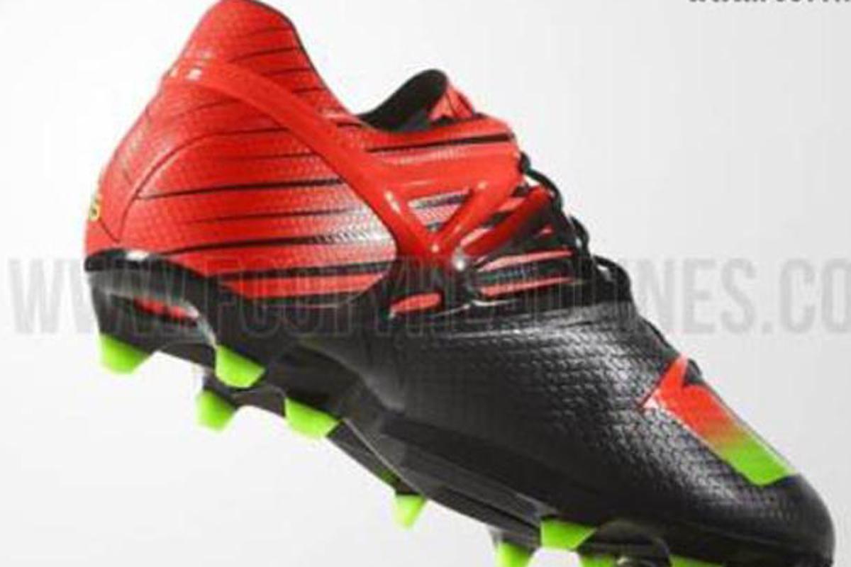 b89e3fd98184e Messi renueva la magia con botines de color rojo y negro