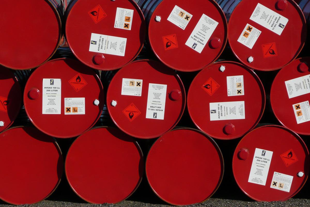 Oil-barrels-editaDO