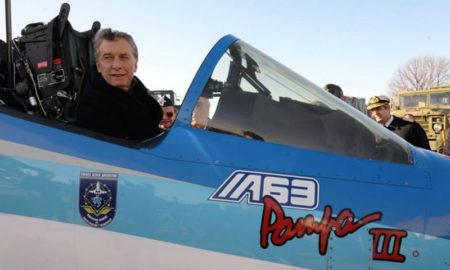 Macri presenta aviones Pampa en Córdoba