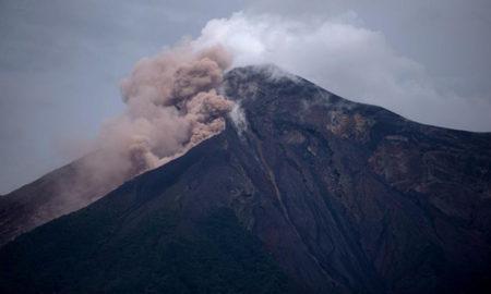 """Volcán de Fuego en Guatemala sigue siendo área de riesgo"""""""