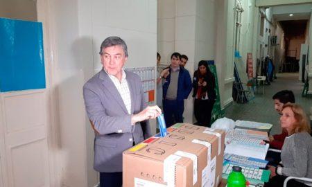 Boasso votó a la espera de resultados favorables en su interna con López Molina