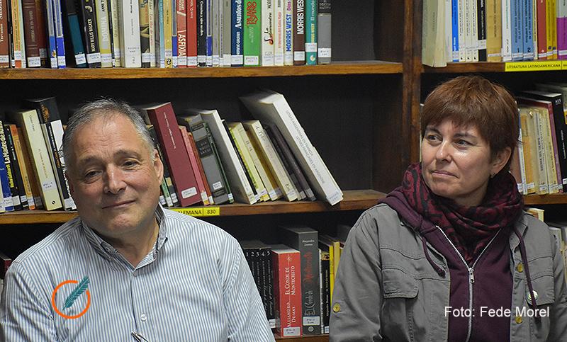 Resultado de imagen para Washington Uranga y Teresita Vargas en la Biblioteca Pocho Lepratti