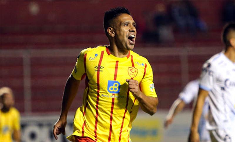 Víctor Figueroa anotó en el triunfo del Aucas de Ecuador
